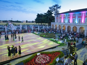 Parterre and dancing floors